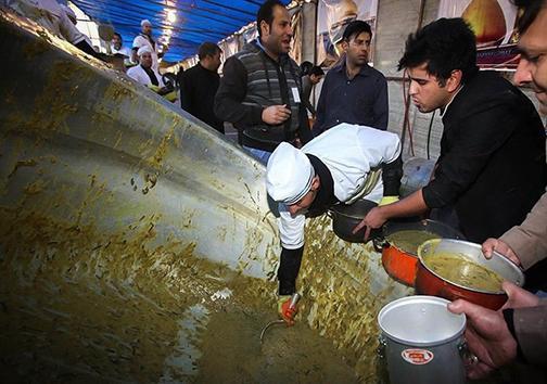 28 صفر قرار ارادتمندان به خاندان ائمه اطهار (ع) با پخت آش 84 هزار کیلویی