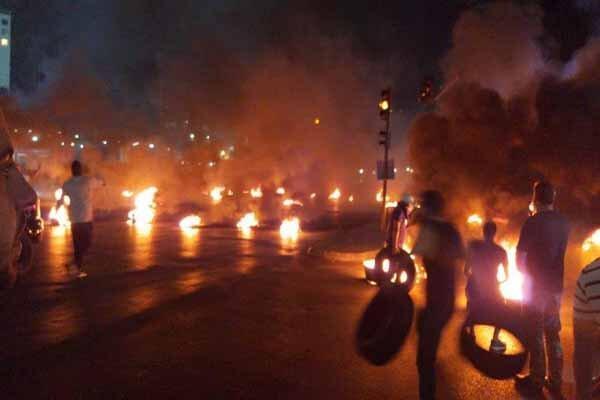 تداوم اعتراضات در لبنان، حرکت معترضان به سمت منزل رئیس بانک مرکزی