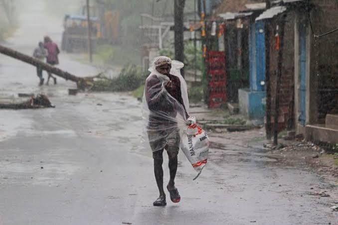 خبرنگاران تلفات طوفان امفان در هند و بنگلادش به 84 نفر افزایش یافت