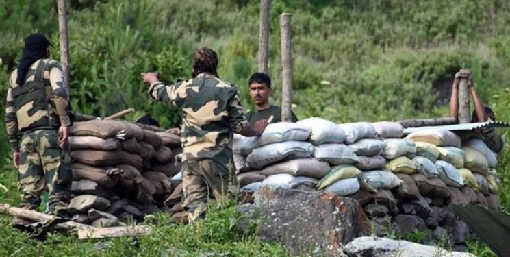 جلسه اضطراری وزیر دفاع هند با فرماندهان زمینی، هوایی و دریایی