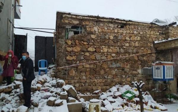 جمعی از نمایندگان مجلس از مناطق زلزله زده سی سخت بازدید کردند، وعده بازسازی منطقه تا شهریور1400