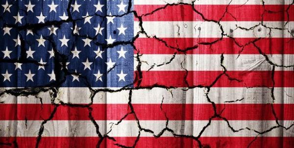 آمریکا گسیخته تر از همواره؛ حمایت حدود نیمی از آمریکایی ها از تجزیه